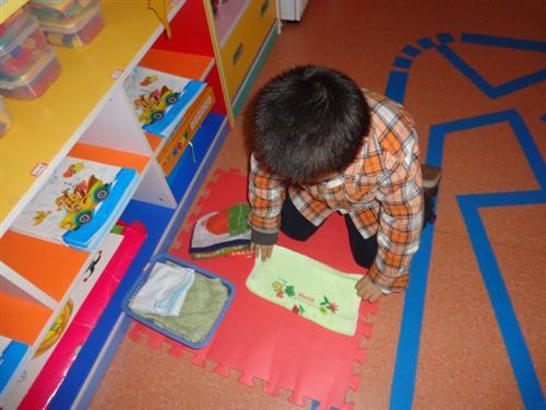 幼儿园便后整理裤子步骤图片